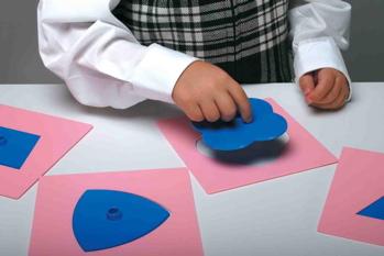 Formes à dessin Montessori