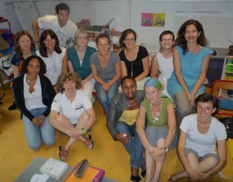 Photo du groupe des stagiaires au cours de l'été 2009 formation professionnelle Montessori